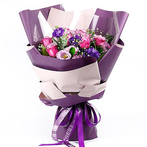 創意情人花束該送什麼 只愛你紫玫瑰花束 花店送花 紫玫瑰花束 紫玫瑰花 花店送花
