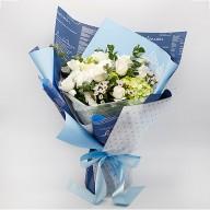 花店送花 藍天白玫瑰繡球花束