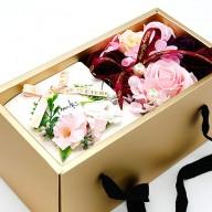 送男友媽媽禮物 母親節康乃馨花盒