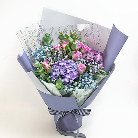 台北市花店 紫玫瑰滿天星花束 台北市花店 紫玫瑰 紫玫瑰花束 玫瑰花束 滿天星