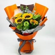 夏季最夯的向日葵花束 亮眼的愛馬仕橘色系